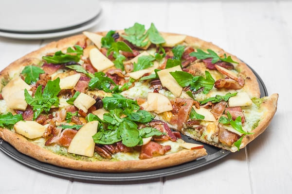 Verse pizza met rucola en appel - Krat met appel ...