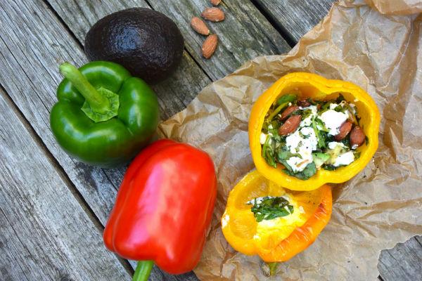 gevulde paprika, vega, oven, foodness, claartje, amandel, avocado, gezond, recept, slank, paprika, spinazie