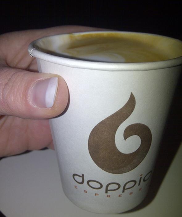 Doppio espresso met lactosevrije melk