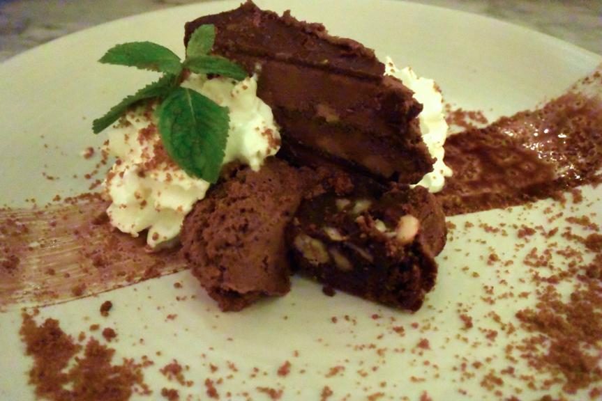 waag, hotspot, leiden, review, foodness, uit eten, taart, chocoladetaart, dessert, chocola