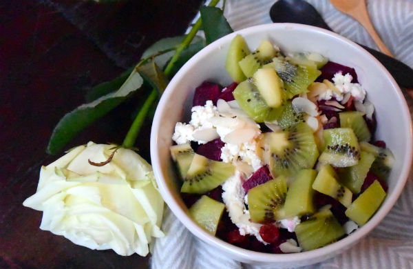 breakfast bowl, kiwi, bieten, gezond, ontbijt, rode biet, geitenkaas, foodness