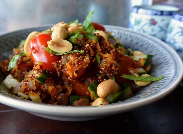 Veganistische pilav van quinoa