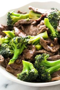 Koolhydraatarm recept: Oosterse broccoli rundreepjes