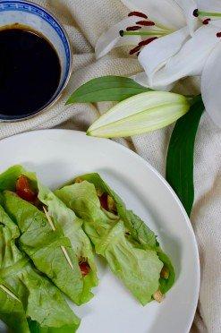 Low carb wraps van sla met tofu