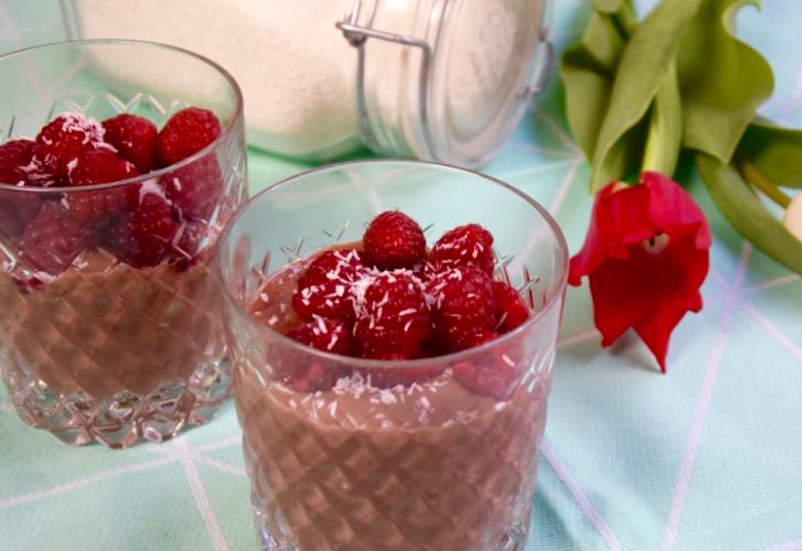 Healthy chocolade milkshake: choco smoothie