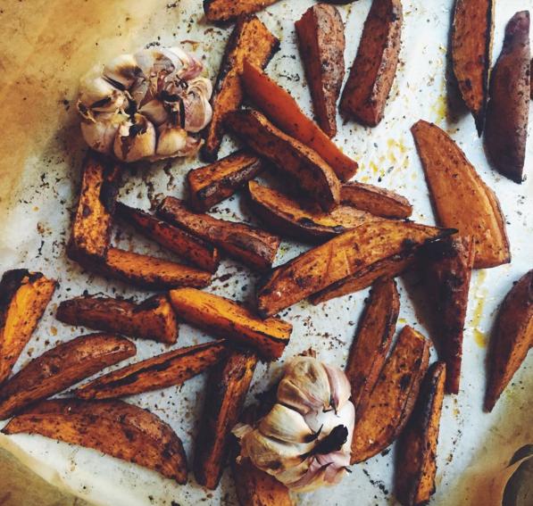 Snack voor mannen: Aardappel wedges met aioli