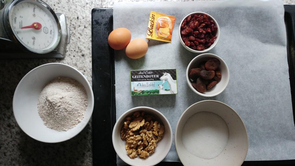 Speltkoekjes met abrikozen, walnoot en cranberry