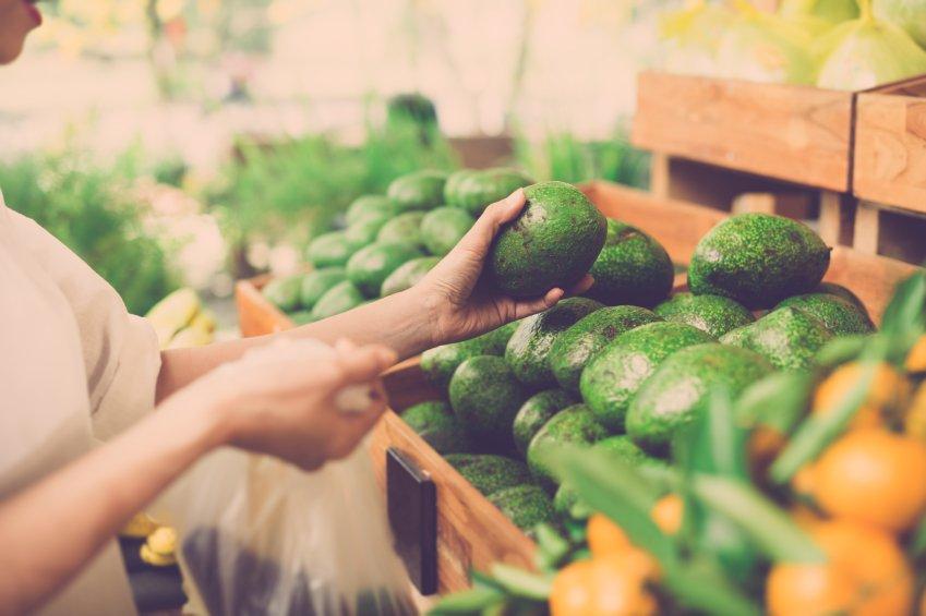 Avocados choosing
