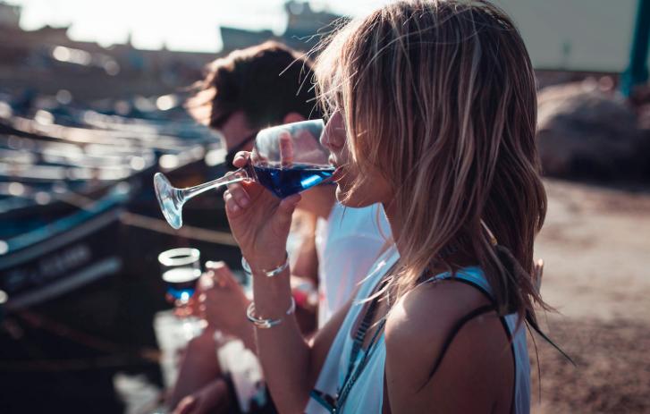 win blauwe wijn