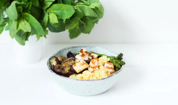 Halloumi salade met gegrilde groente
