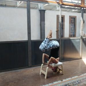 Yoga headstand voor beginners + WIN een FeetUp t.w.v. €119,95!