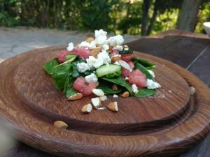 Zomerse salade: watermeloen, feta, amandelen