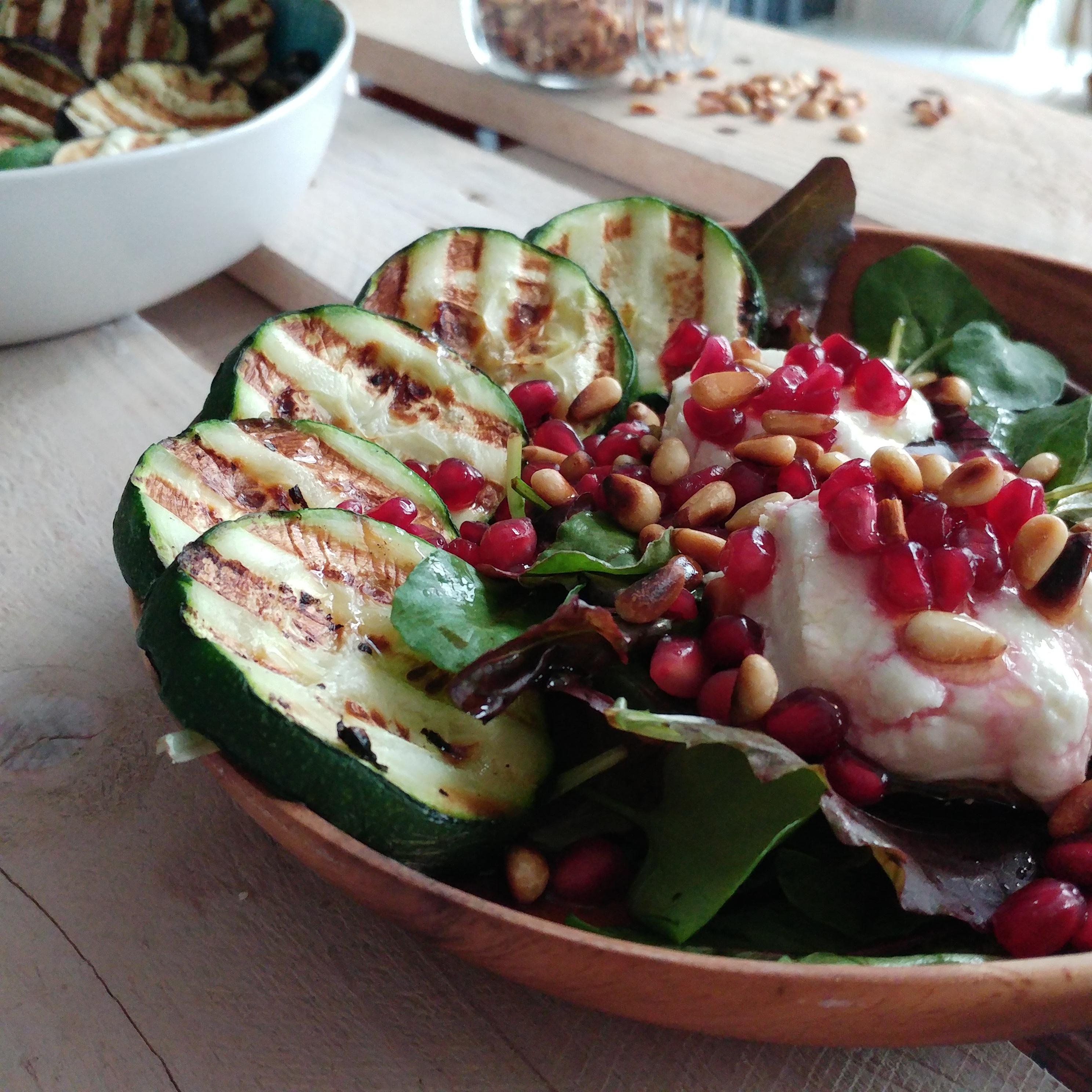 Linzensalade met bietjes, spinazie en rozijnen