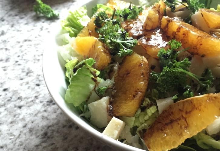 Salade met sinaasappel, groene asperges & ricotta