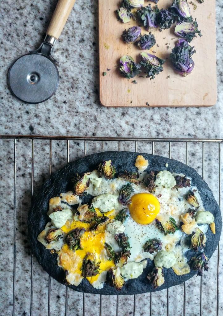 Magioni pizza met spruitjes en ei