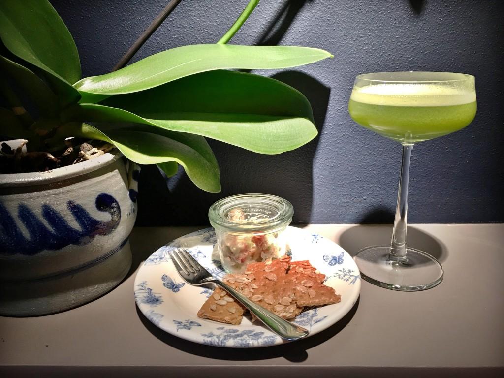Whisky cocktail met appelcider en honing van Rosalia's Menagerie