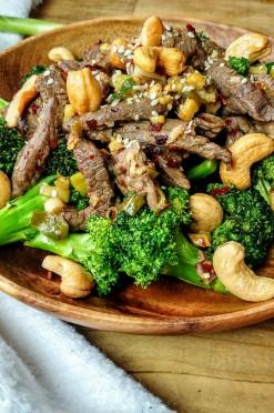 Sticky & crunchy runderreepjes met broccoli uit de ActiFry heteluchtfriteuse