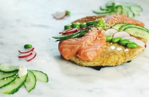 Video: Sushi pizza met zalm en sojaboontjes