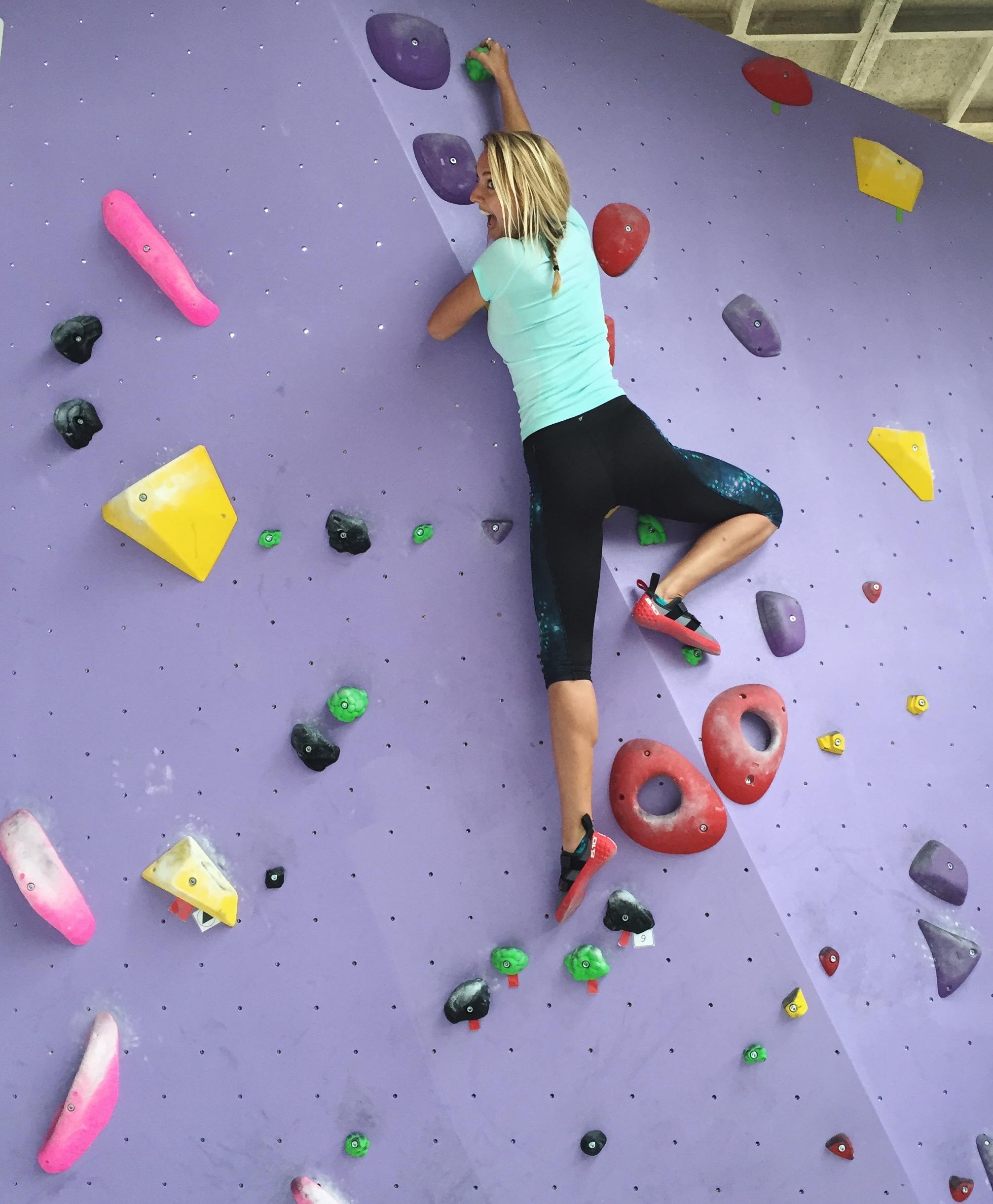 Nieuwe sport getest: boulderen!