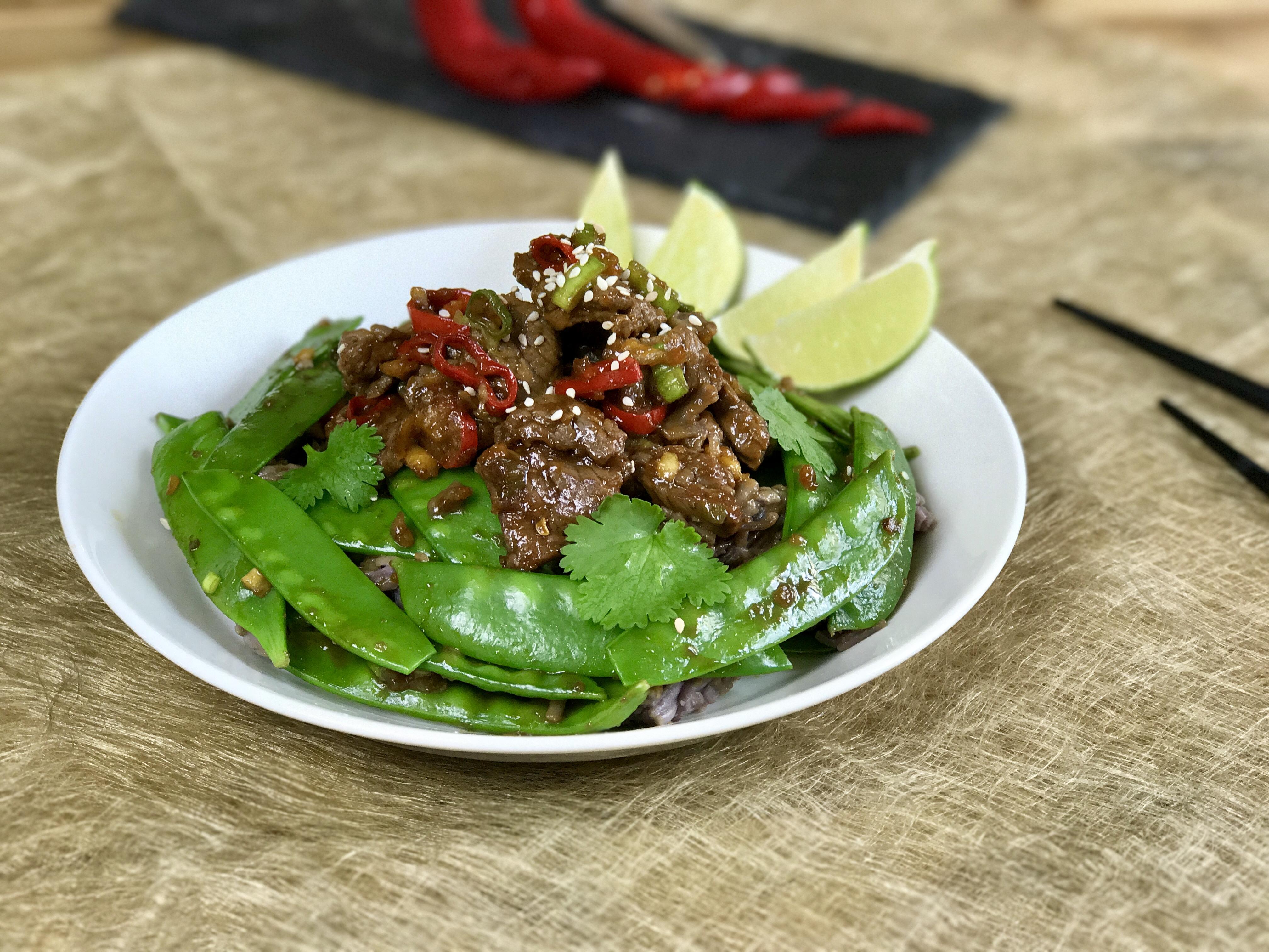 Aziatische runderreepjes met peulen