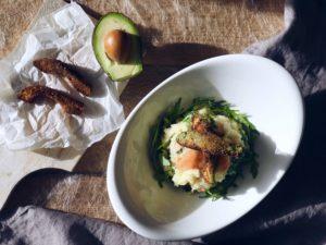 Rucola stamppot met gerookte zalm en avocado frieten (!)