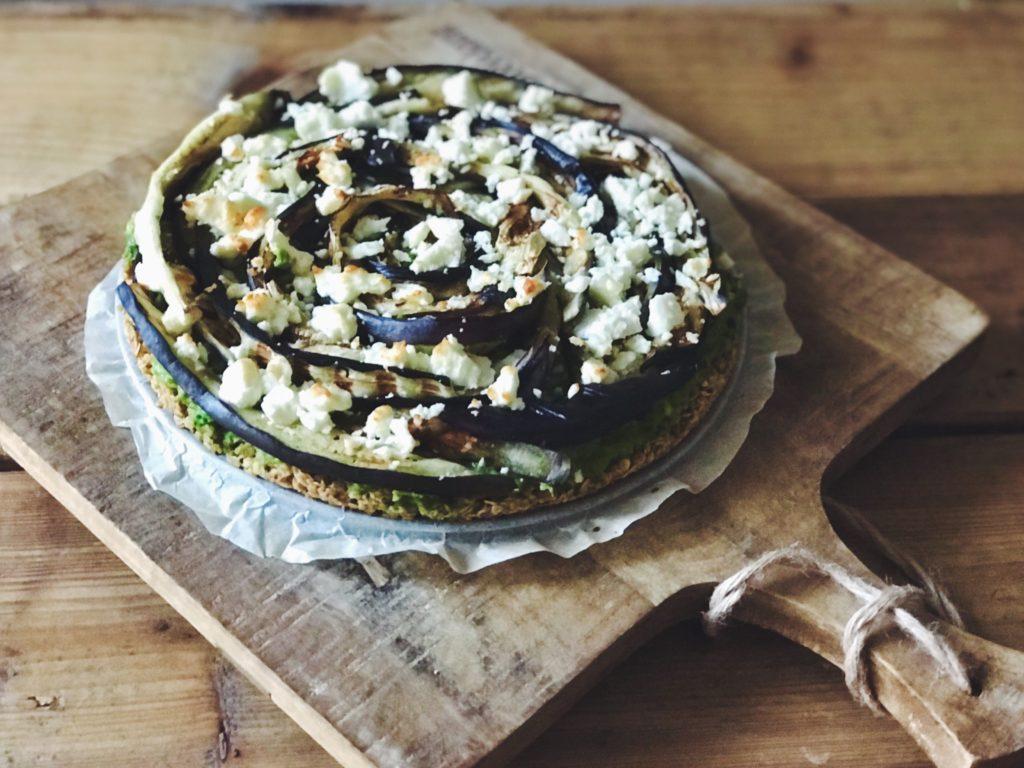 Aubergine-feta quiche met bodem van havermout || Favorite Food Five (#2) van Beaufood