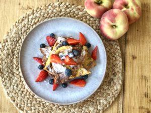 French toast (wentelteefjes) met fruit en muesli