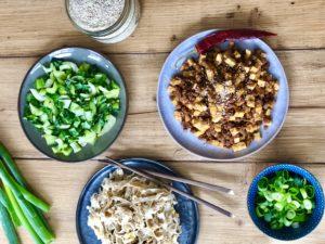Rijstnoedels met paksoi en tofu met oestersaus