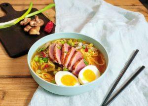 Miso ramen met eend - Japans hoofdgerecht - Foodness.nl