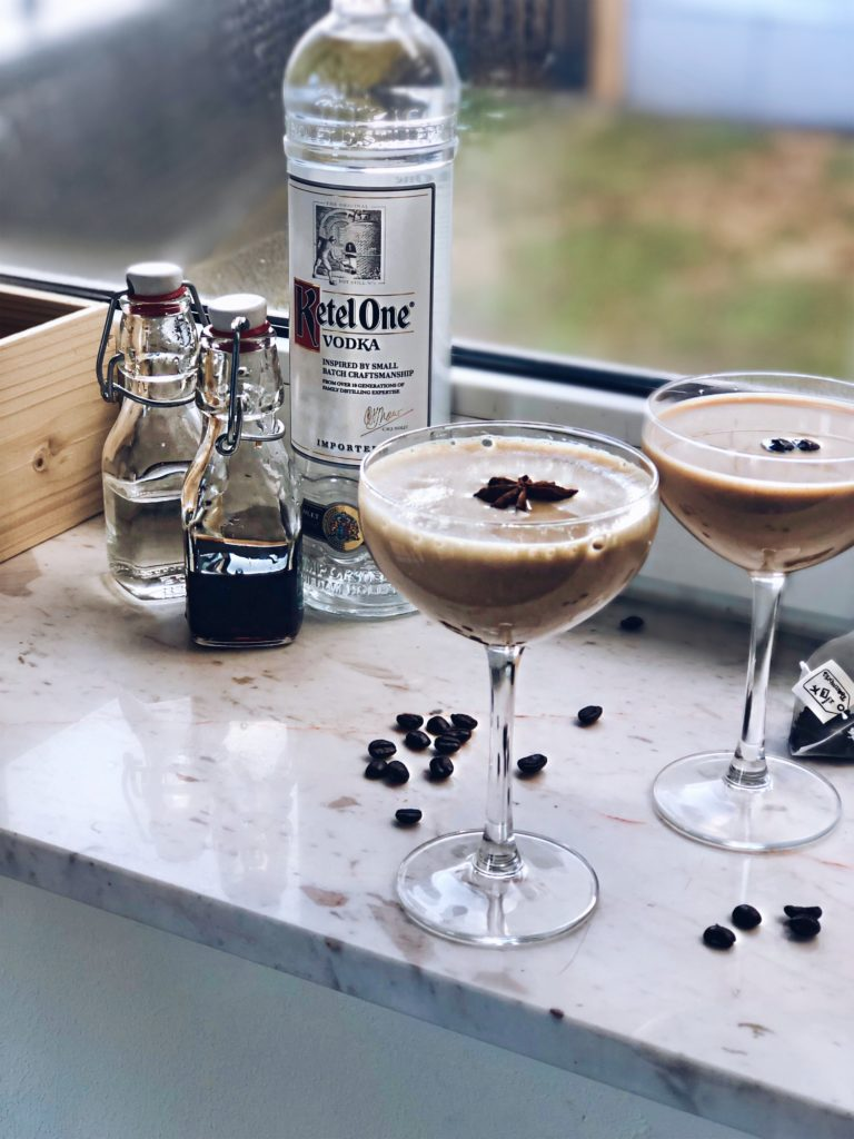 Dirty Chai Martini | Cocktail variatie - Foodness.nl