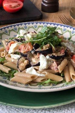 Pasta met gegrilde aubergine & mozzarella | Vega hoofdgerecht