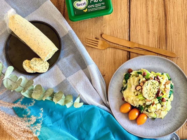 Stamppot met prei, amandelen & homemadevegan kruidenboter   Vegan dinner