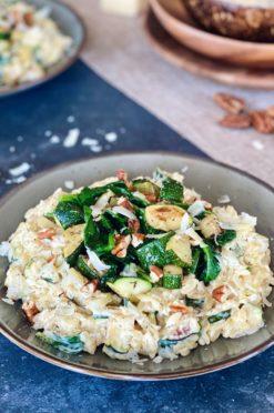 Romige orzo met spinazie en grana padano | Pasta! - Foodness.nl