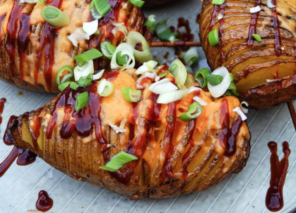 BBQ Hasselback aardappel met cheddar | e-book Gruwelijk Grillen