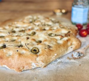 Focaccia met olijven uit de 3-in-1 oven: simpel recept   Bakken