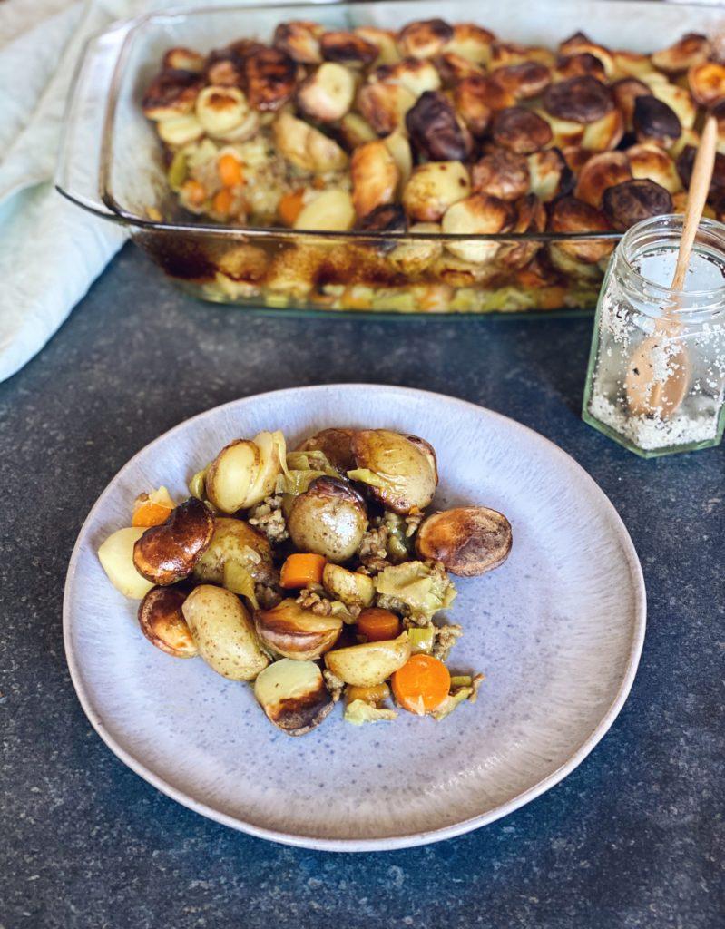 Indische ovenschotel aardappel gehakt | Hoofdgerecht - Foodness.nl