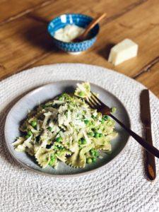 Pasta met doperwtjes-roomsaus | Simpel vega hoofdgerecht