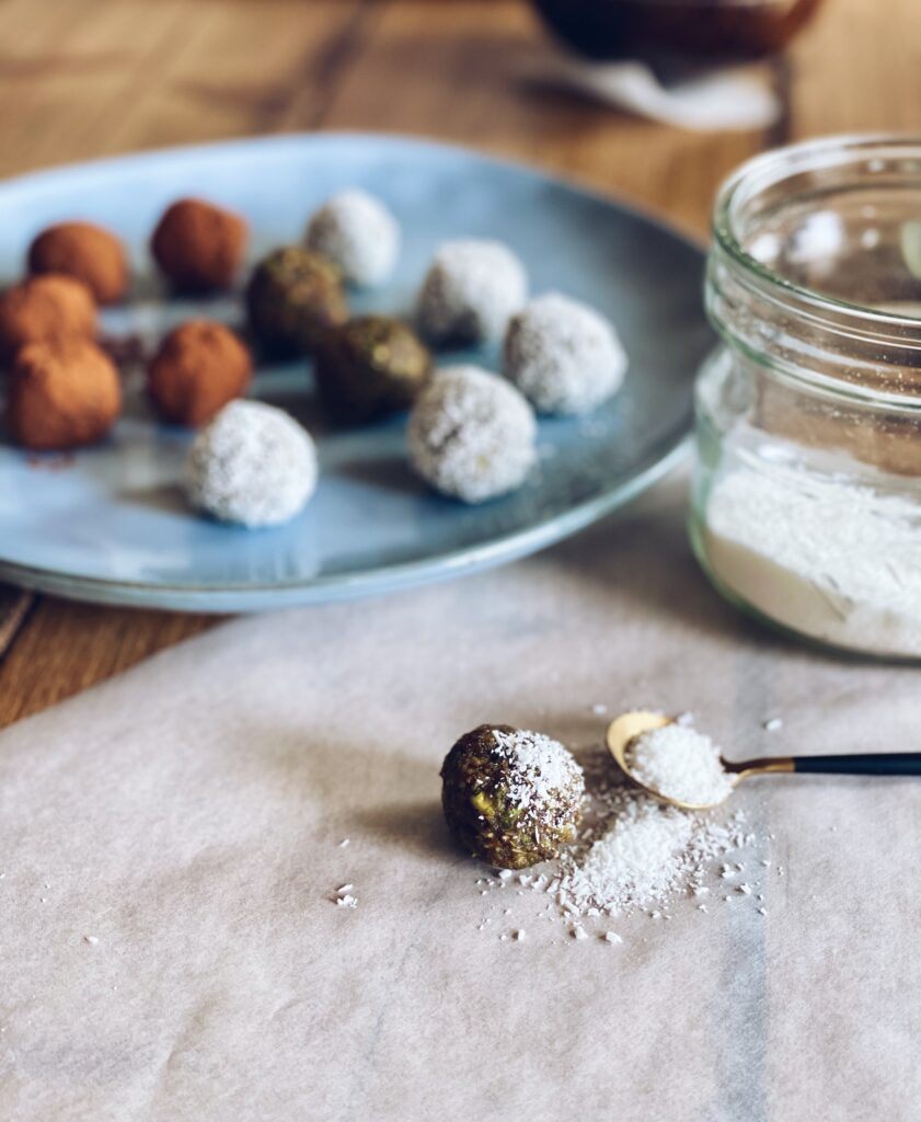 Dadel-pistache-balletjes   rauw & glutenvrij