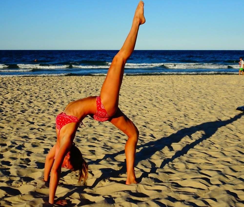 claartje schroder yoga strand
