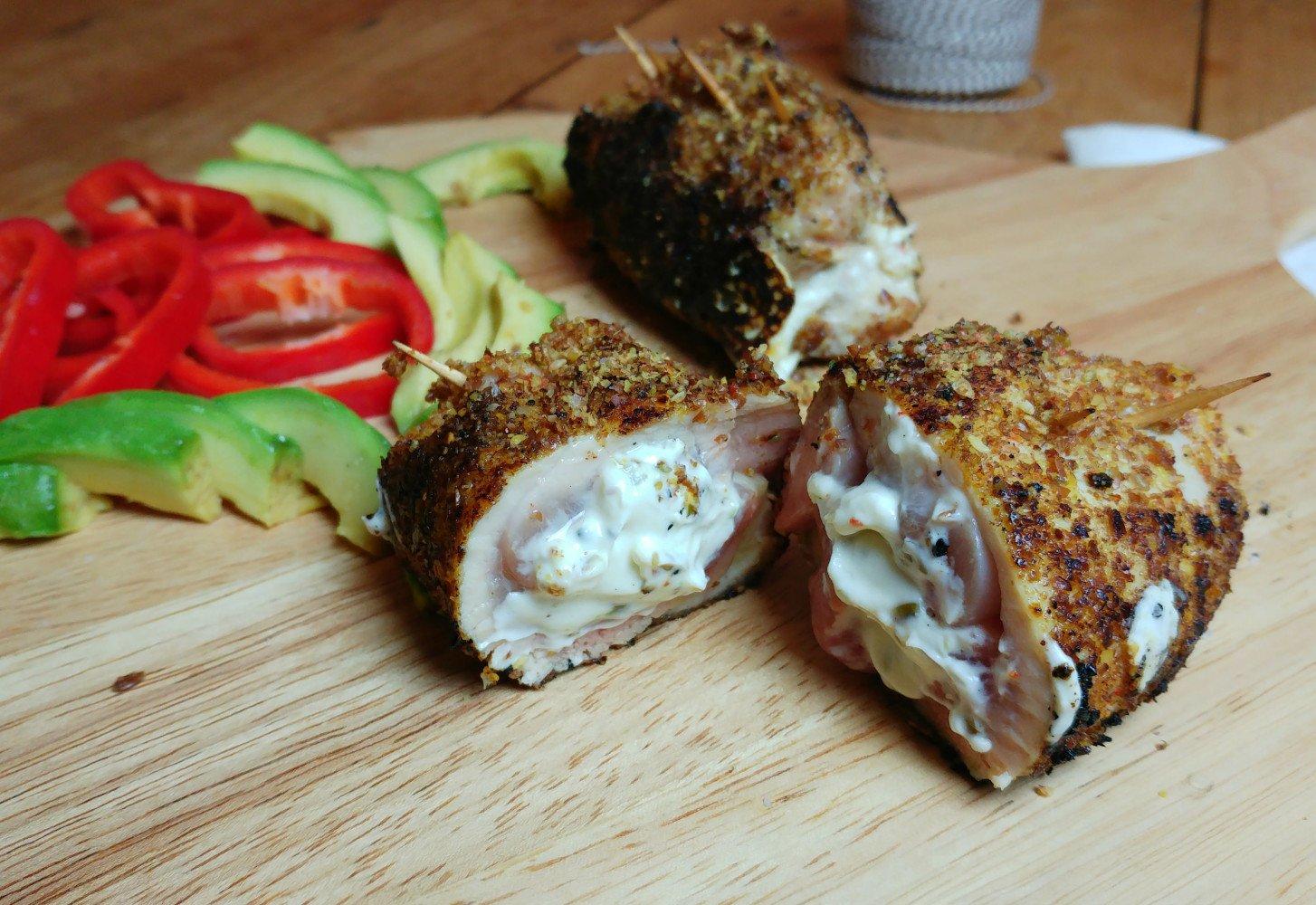 Krokante kip gevuld met roomkaas en lijnzaad mengsel