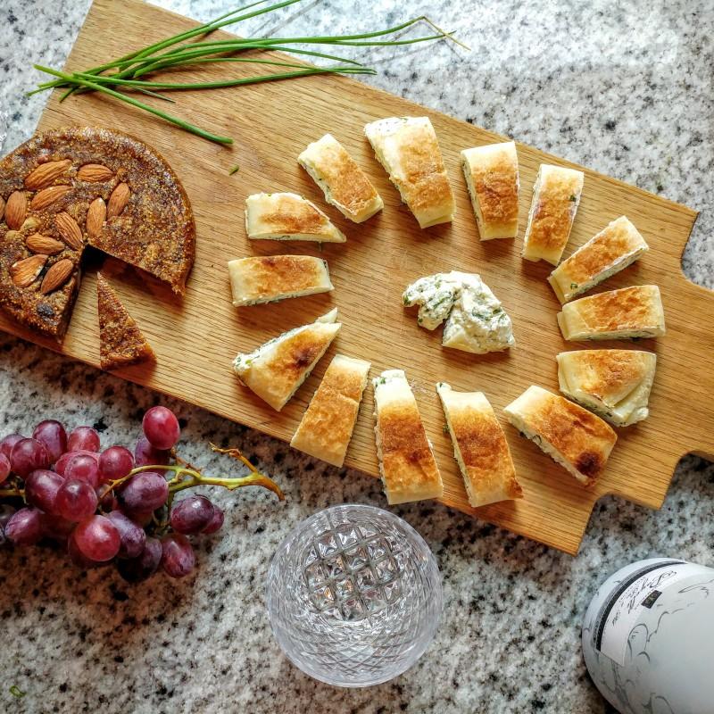 Glutenvrije borrelhap: homemade kruidenkaas in bladerdeeg & Test je glutenkennis!