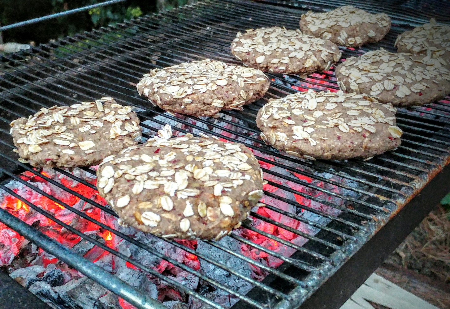 Veganistische bonenburgers met porcini & havermout