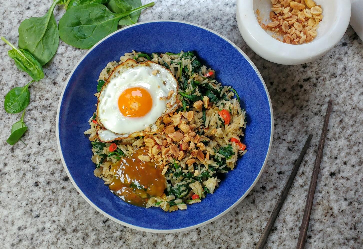 Basmatirijst met spiegelei, mangochutney en spinazie + tripje naar spinazieboer