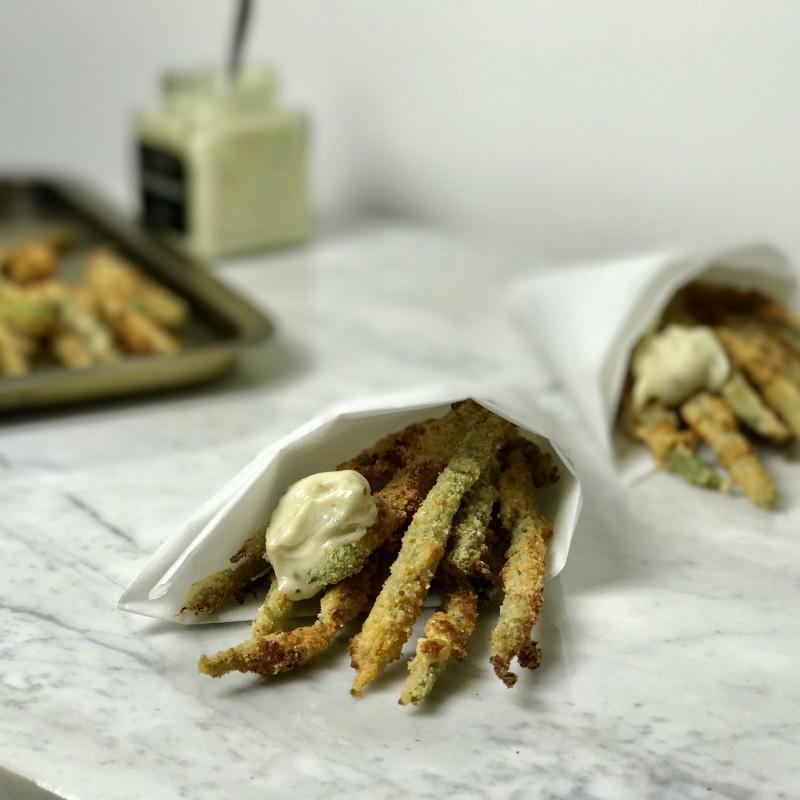 'Frietjes' van sperziebonen met Parmezaanse kaas