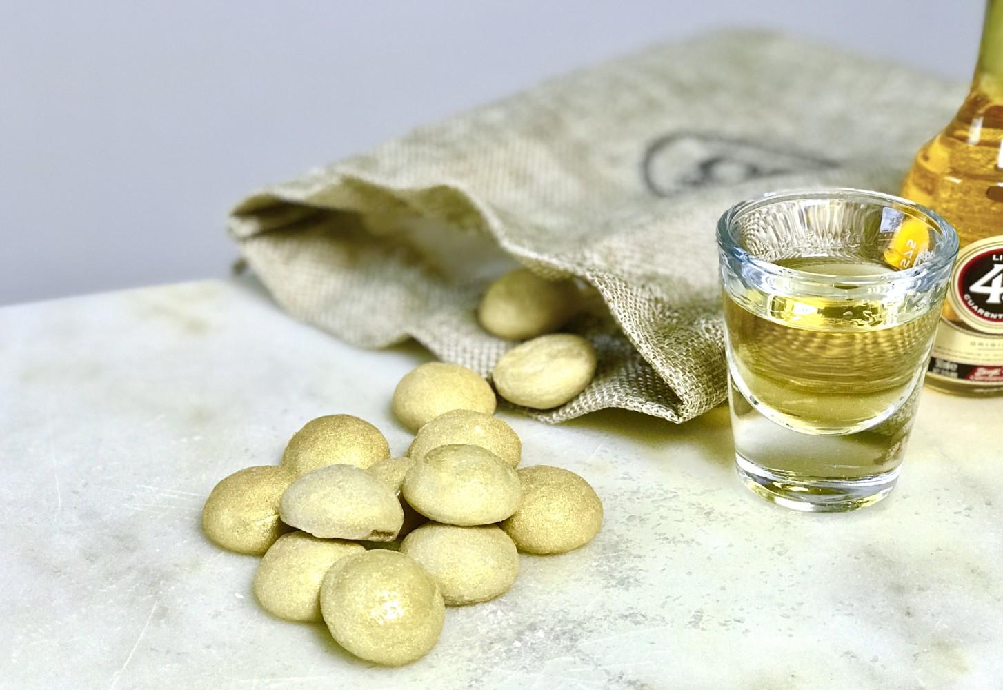 Gouden glitter pepernoten met Licor 43 & witte chocolade