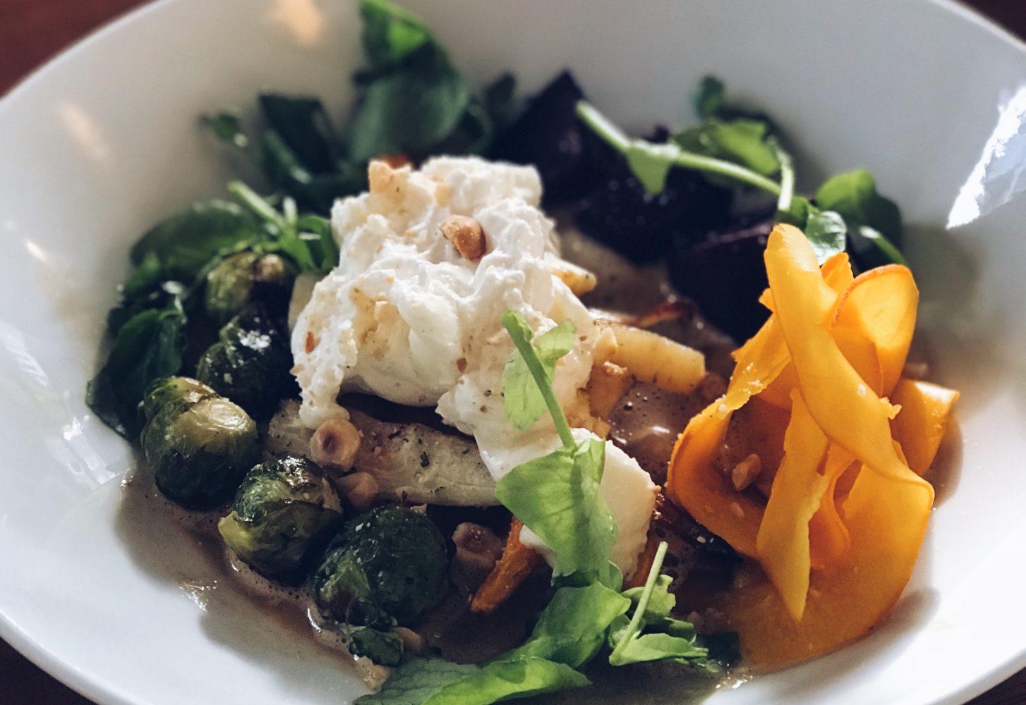 Healthy lunch: Salade met geroosterde groenten