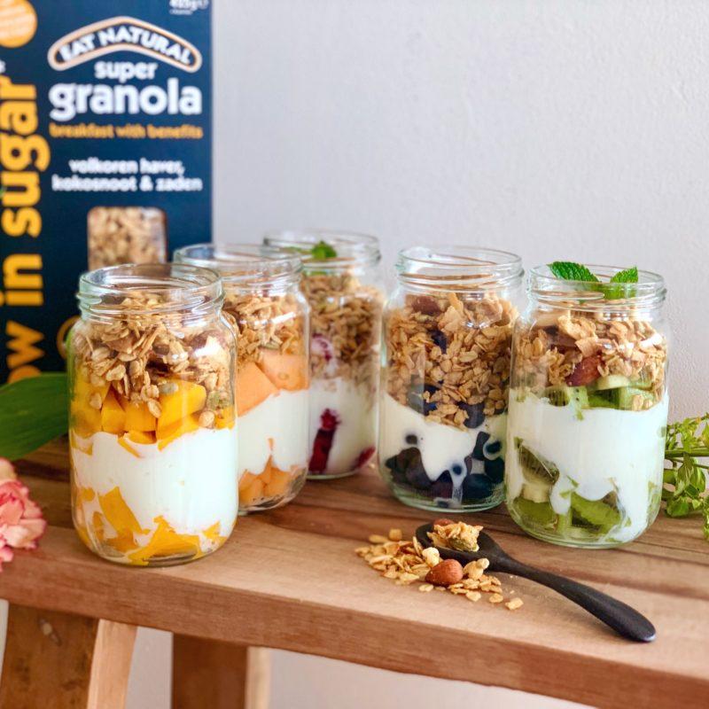 Rainbow breakfast jars met granola: gezond ontbijt voor hele week